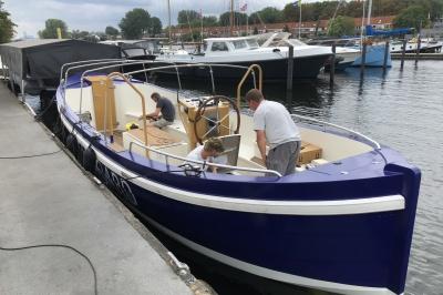 Combi Inboard 10kW watergekoeld voor rondvaartsloep Amsterdam