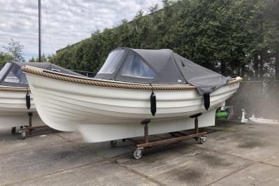 Elektrisch varen in Friesland bij Happy Whale