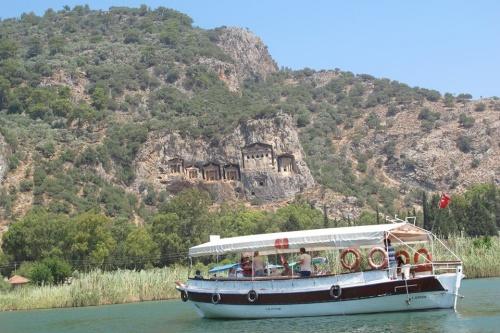 Combi Inboard 10kW motoren naar Turkije